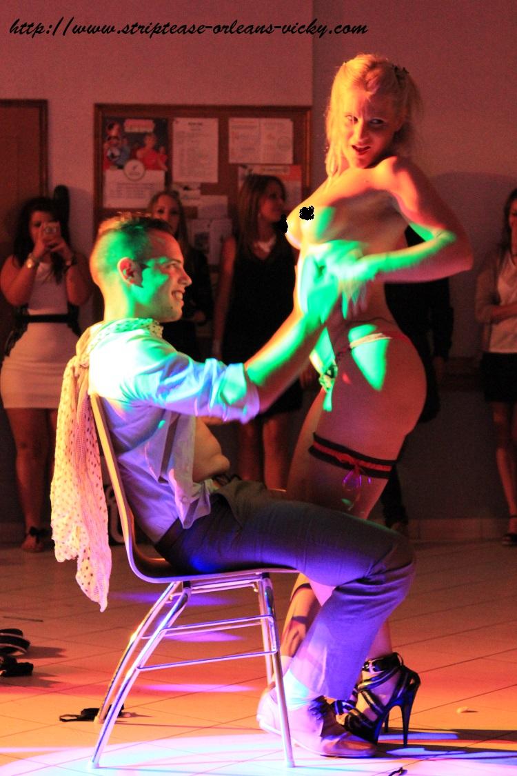 striptease orleans vicky