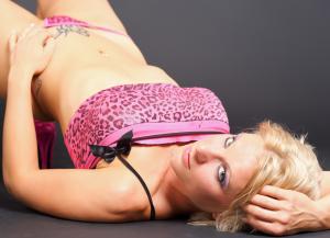 strip-teaseuse à domicile 45